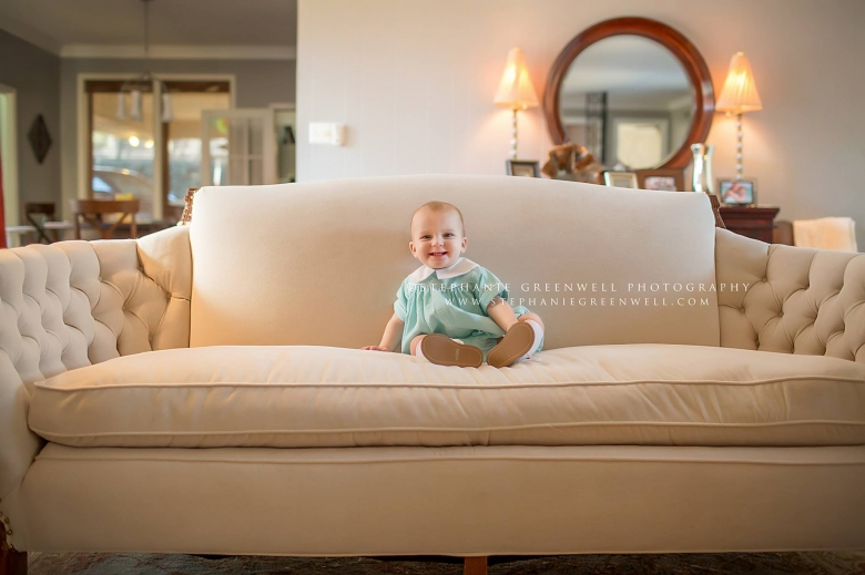 baby-on-antique-sofa-memphis-baby-photographer-stephanie-greenwell