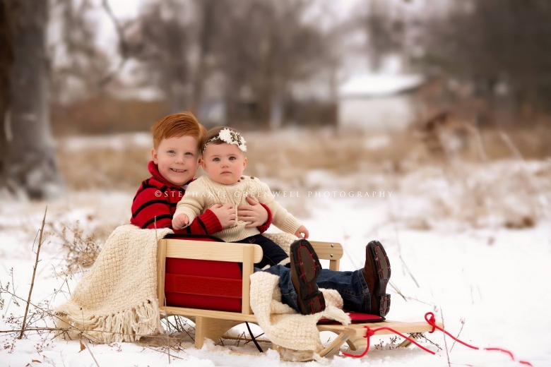 snow mini sessions callie sled snow ice storm southeast missouri photographer stephanie greenwell
