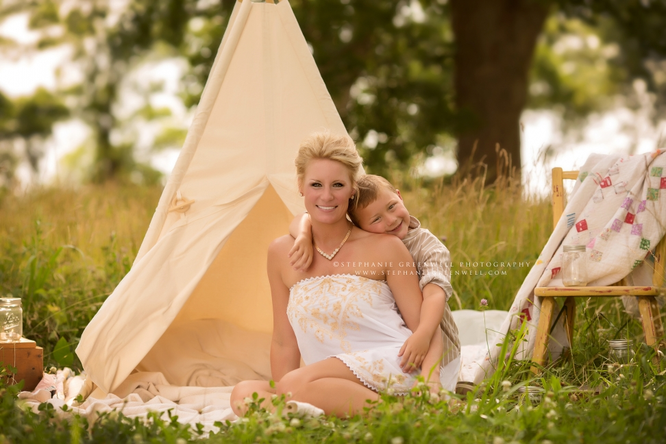 mother son baby laughing smiling looking quilt pasture sunset summer hayti stephanie greenwell southeast missouri photographer