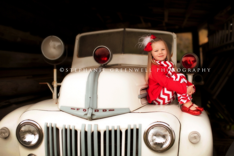 sarah faulkner west tennessee green frog old firetruck christmas southeast missouri photographer stephanie greenwell