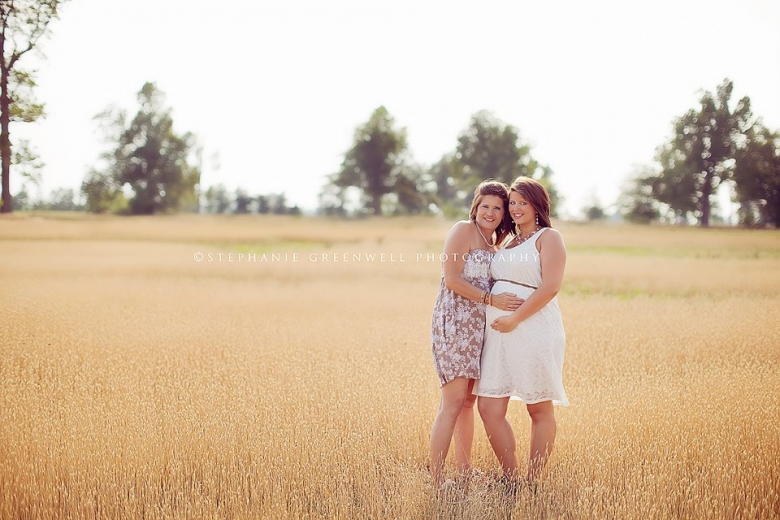 mom and daughter wheat field maternity pregnancy